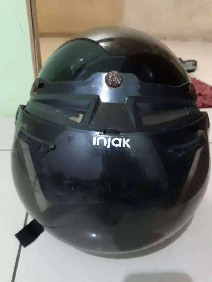 Helm merk injak..model retro 0