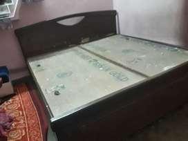 Teak wood bed only 8500
