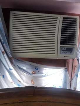 Ac 1.5 ton in good working condition