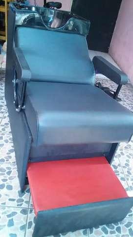 Kursi keramas bahan kayu