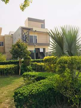 10 MARLA HOUSE AVAILABLE IN BAHRIA TOWN LAHORE