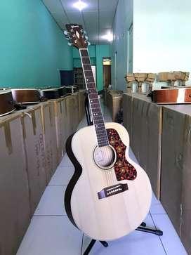 Gitar akustik, tas dan pick