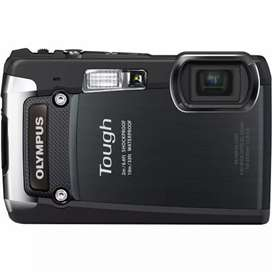 Olympus Tough 820 (TG 820) Black (outdoor and underwater camera)