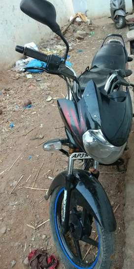 good condition bike bajaj discover125  22000
