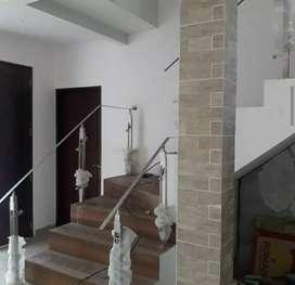 Railing tangga stainless dan balkon kaca 807
