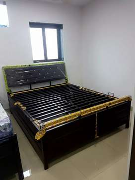 New queen size iron double bed in direct factory price.
