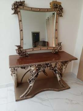 Deal of 4 ( Console + 2 Stylish Mirrors + Table )