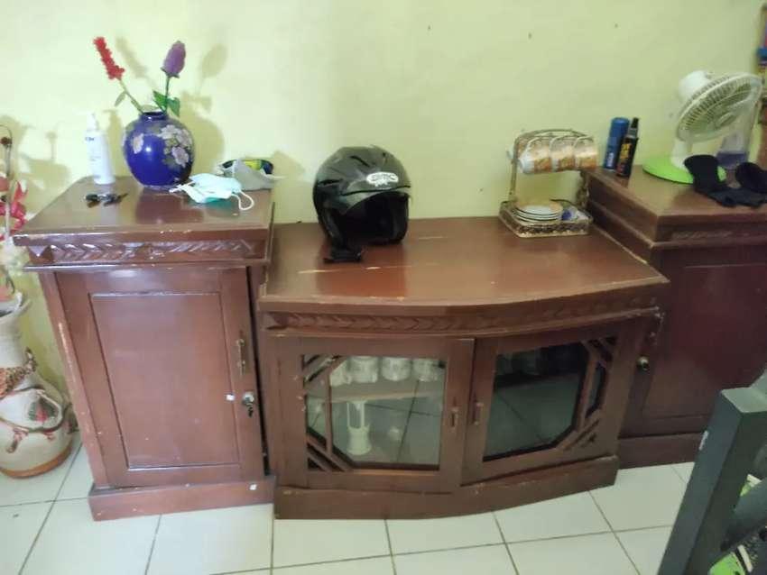 LEMARI KAYU BUAT TV