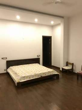 1 Rk fully furnished studio apartment for rent in sushant lok 1