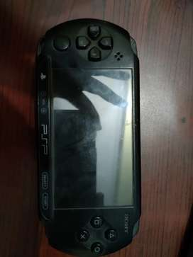 Psp 3000 2 years old 4 gb memory card case games