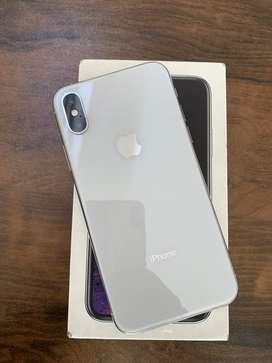 I phone XS 64gb silver clr