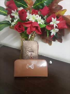 Women's simple clutches