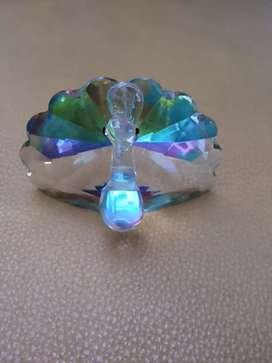 Kristal merak warna warni