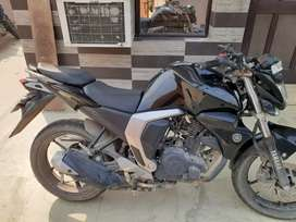 Excellent condition yamaha fz fi bike