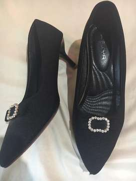 High heels hitam second