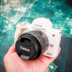 Canon EOS M50 kit 15-45mm. Mulus. Murahhh