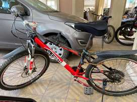 Excellent Condition MTB with 21 gears, disc brake for sell
