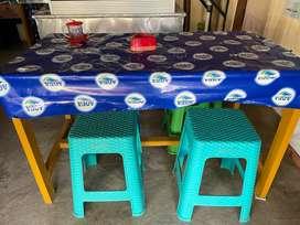 Meja makan untuk jualan