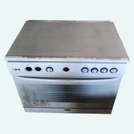 Imported Gas Coking Range. oven Electric