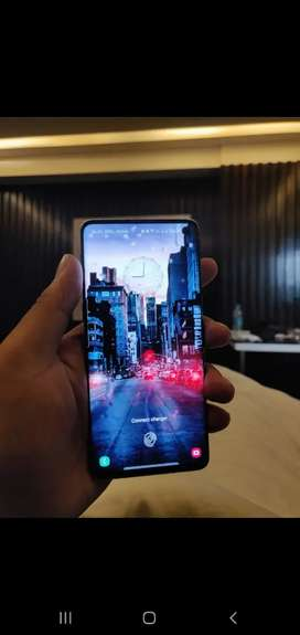 Samsung s10 front screen is broken from side but works like new one