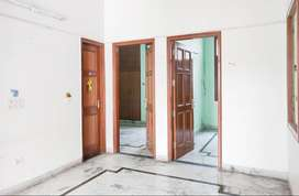 3 BHK Semi Furnished Flat for rent in Sector 23 for ₹22000, Noida