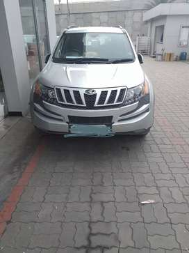 Xuv mahindra w8 top model with warranty till 20may 2020 fix price