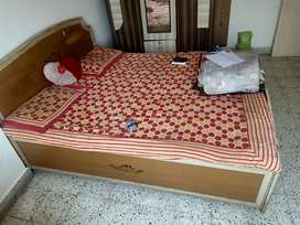 Wants to sell sofa, bed and cup board