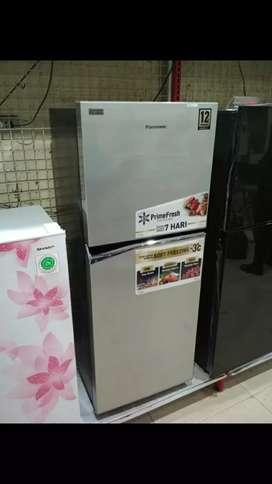 Panasonic kulkas 2 pintu 210 lt.n