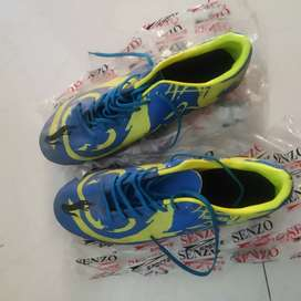 Brand New football shoes size no.10