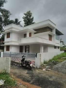 5 cent 1650 sqft 3 bhk new build house at aluva near vazhakulam