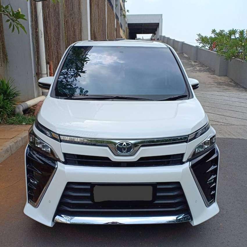 Toyota voxy 2.0 at Tahun 2019 km 3.000 0