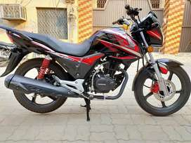 Honda cb150f like new condition only 4500km mileage only