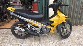 Yamaha 125 Z taun 2000 (warna kuning)
