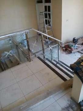 Pagar balkon railing tangga kaca dan stainless