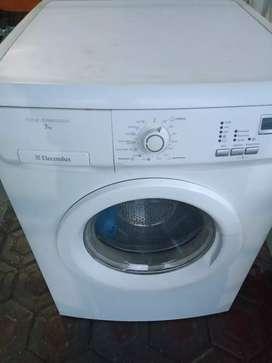Mesin cuci Electrolux 7kg