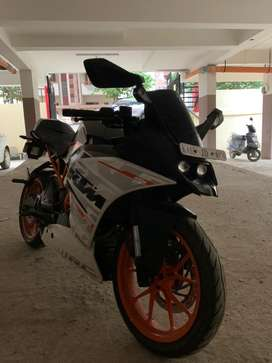 KTM RC 390 in excellent condition