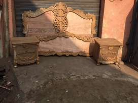 Pure sagwaan double bed with 2 side tables