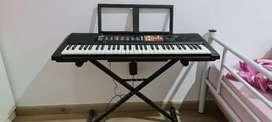 Keyboard Yamaha PSR F51 61 keys