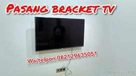 Pemasangan bracket dudukan tv di dinding
