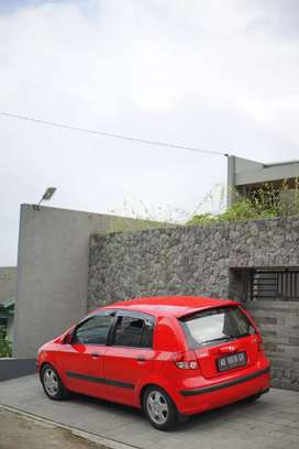 Dijual Hyundai Getz warna merah 2004