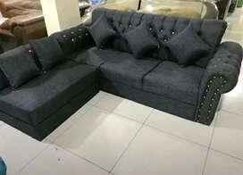 Sofa L new ROMMA hitam minimalis motif kancing permata.