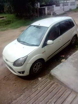 Ford figo urgent sale money problem fixed price