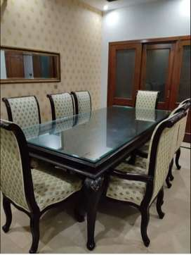 Executive Class Luxurious Dining table set with 8 chairs