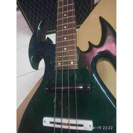 Gitar bass IBANEZ sepasang ukir metal antik pakai lampu led switch
