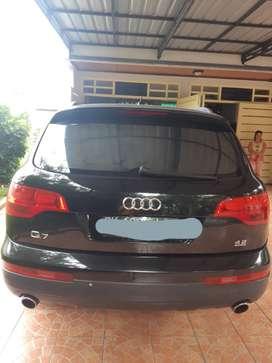 Audi Q7 4.2L quattro hitam 2006