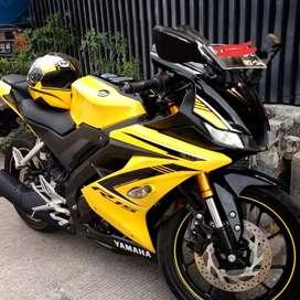 Yamaha R15 Tahun 2019 Kuning