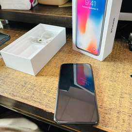 Iphone X 256GB complete box with original accessories.