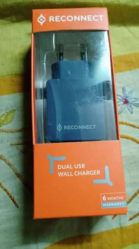 NEW Seal packed Reconnect Dual USB WALL CAHRGER MRP 699