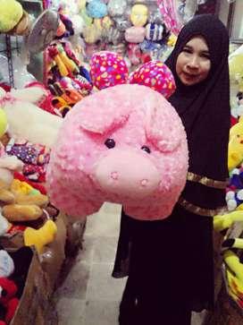 Boneka babi pink ukuran sedang