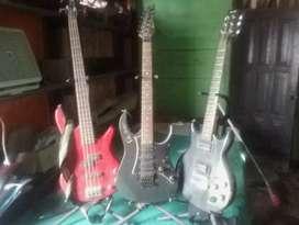 Gitar listrikerk ibanez dan 1 set drum peavey